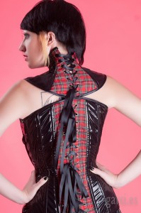 Institutrice (neck corset)